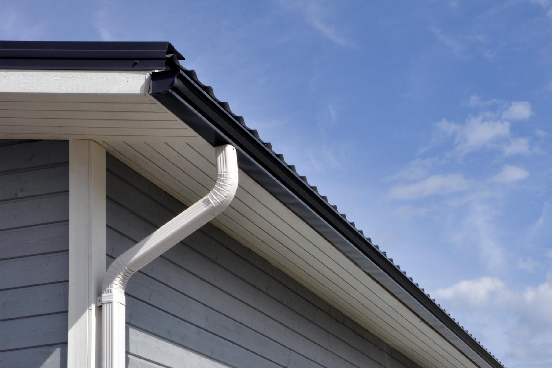 Kantikasta vesikourua ja alastuloja on saatavissa kaikissa katon ja julkisivun väreissä